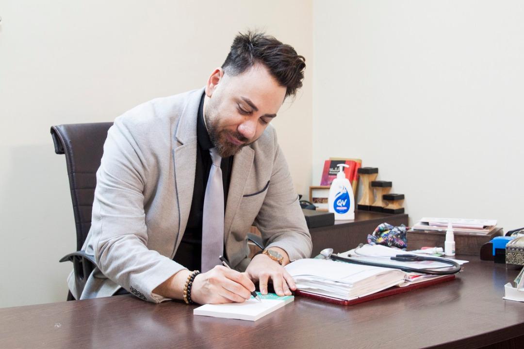 بیوگرافی دکتر مسیح شمعی